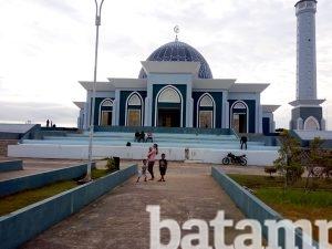 Masjid Nur Ilahi Jadi Tempat Bermain Berwisata Religi Batampos Sejumlah