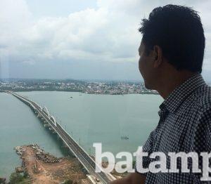 Melihat Tanjungpinang Menara Masjid Raya Nur Ilahi Batampos Id Salah