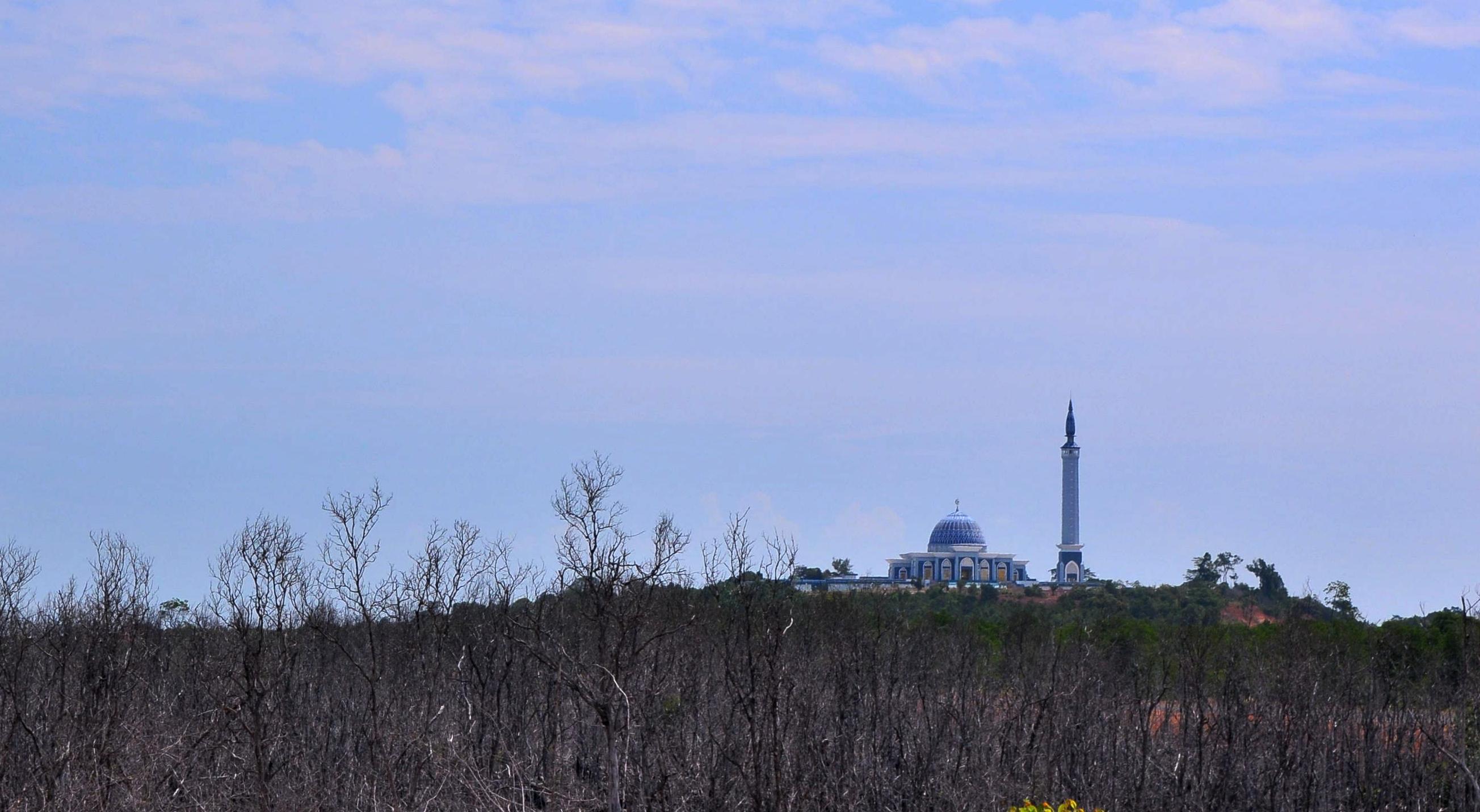Mengintip Masjid Indah Pulau Dompak Robbi Hafzan Raya Kepulauan Riau