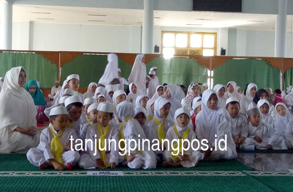 Ratusan Pelajar Raudatul Athfal Berzikir Tanjungpinang Pos Siswa Ra Anak