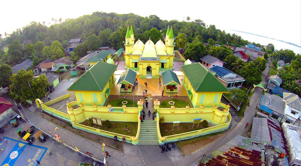 Wisata Tanjung Pinang Bintan Kepulauan Riau Pulau Penyengat Masjid Raya