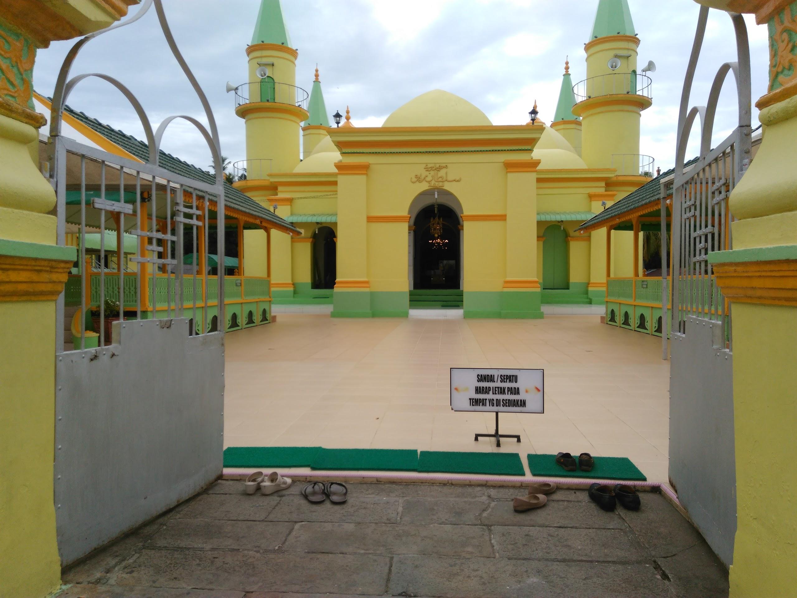 8 Tempat Wisata Wajib Kunjung Tanjungpinang Kepulauan Riau Masjid Sultan