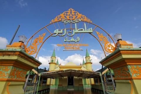 Keunikan Masjid Penyengat Bangunan Raya Sultan Riau Pulau Kepulauan Sabtu