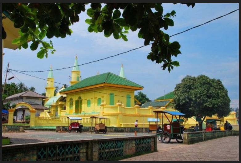 Masjid Penyengat Mesjid Sultan Riau Pulau Raja Raya Kota Tanjungpinang