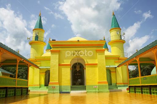 Masjid Raya Sultan Riau Pulau Penyengat Public Historical Yudhi Hendra
