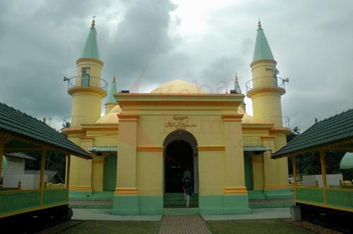 Menyusuri Sejarah Kebudayaan Melayu Pulau Penyengat Masjid Raya Sultan Riau