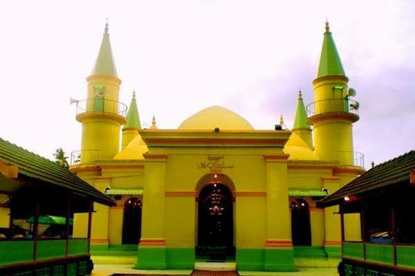 Mosque Sultan Riau Egg White Travel Destination Create Artourtraveller Find