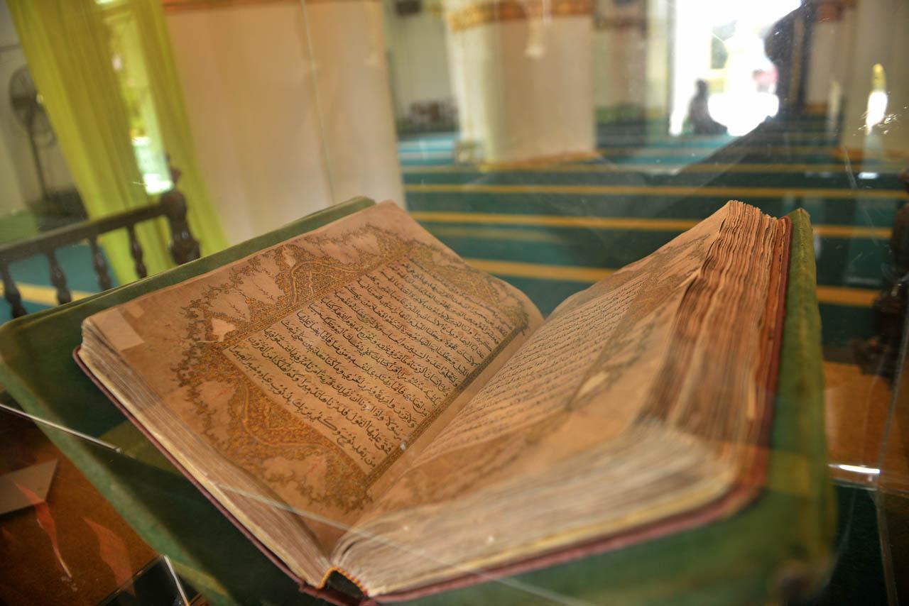 Pulau Penyengat Menyelisik Peninggalan Kerajaan Melayu Cerita Masjid Raya Sultan