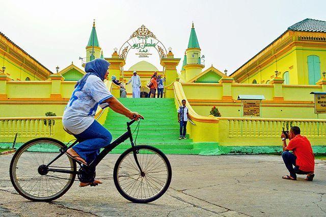 Traveling Pulau Penyengat Masjid Dibangun Telur Raya Sultan Riau Salah