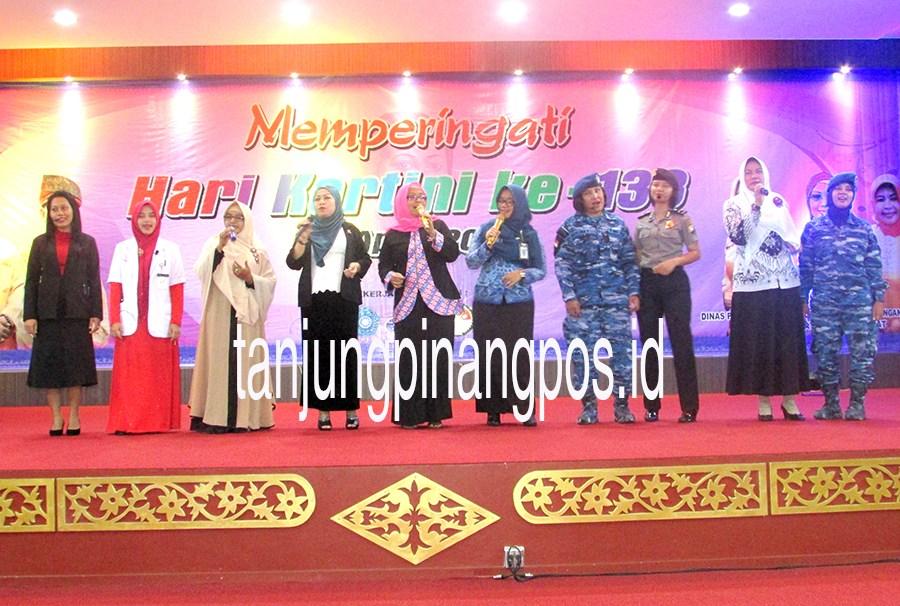 10 Wanita Terhebat Dipilih Tanjungpinang Pos Taman Batu Kota