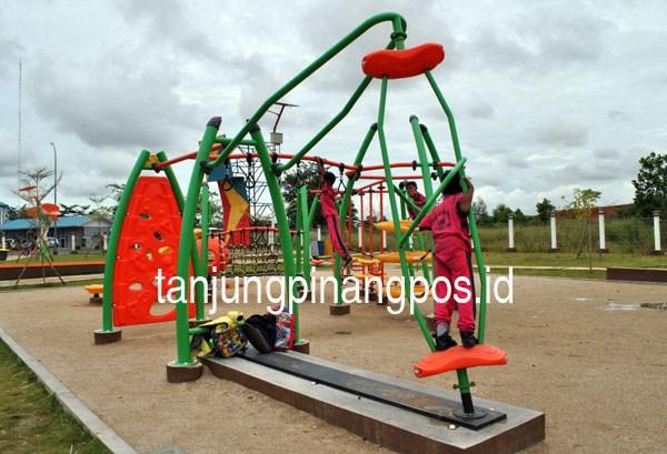 Taman Batu 10 Butuh Tambah Sarana Olahraga Tanjungpinang Pos Bermain