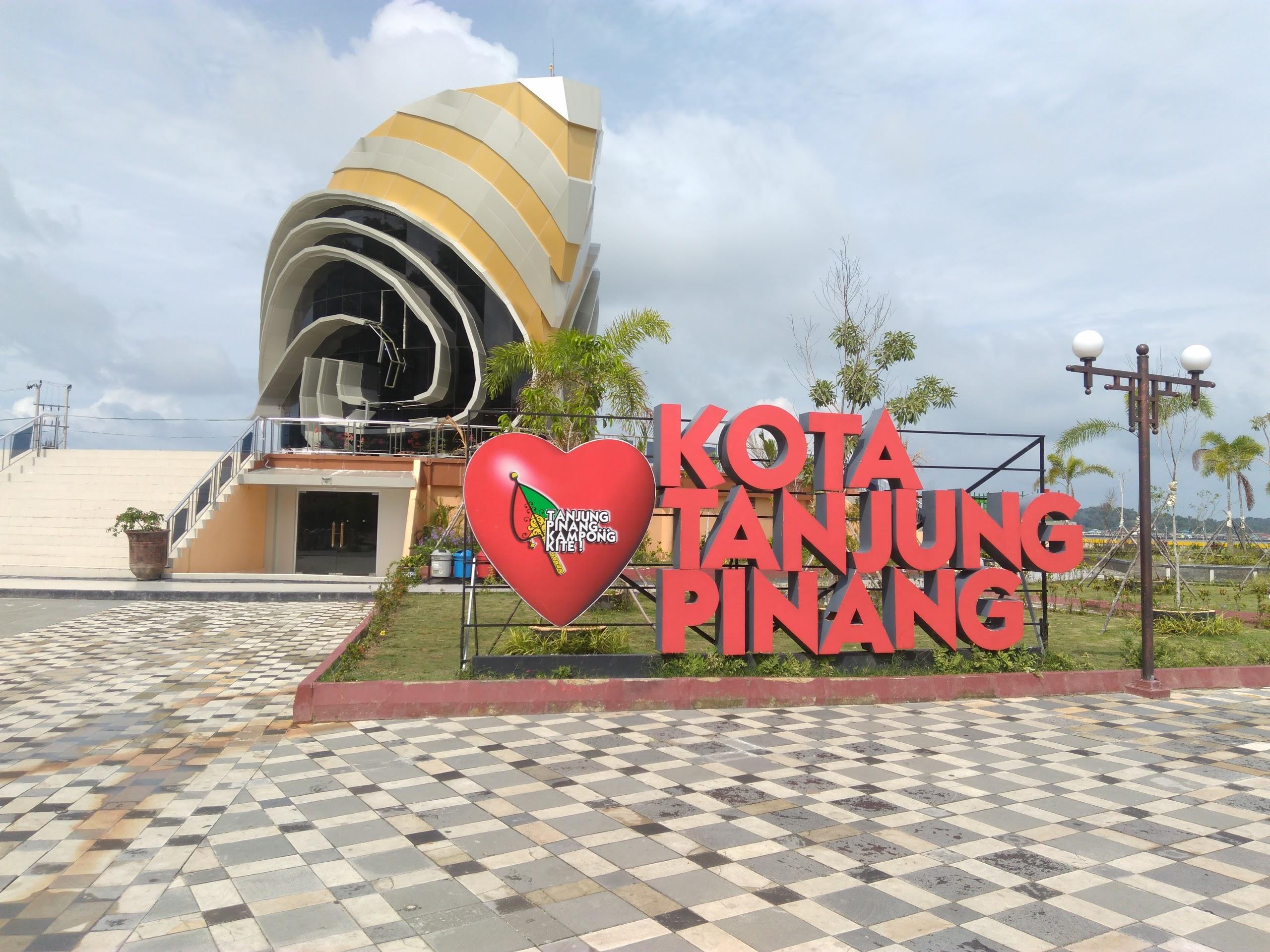 8 Tempat Wisata Wajib Kunjung Tanjungpinang Kepulauan Riau Taman Gurindam