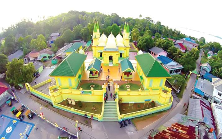 Berita Pulau Penyengat Gurindam Duabelas Harian Analisa Taman Kota Tanjungpinang