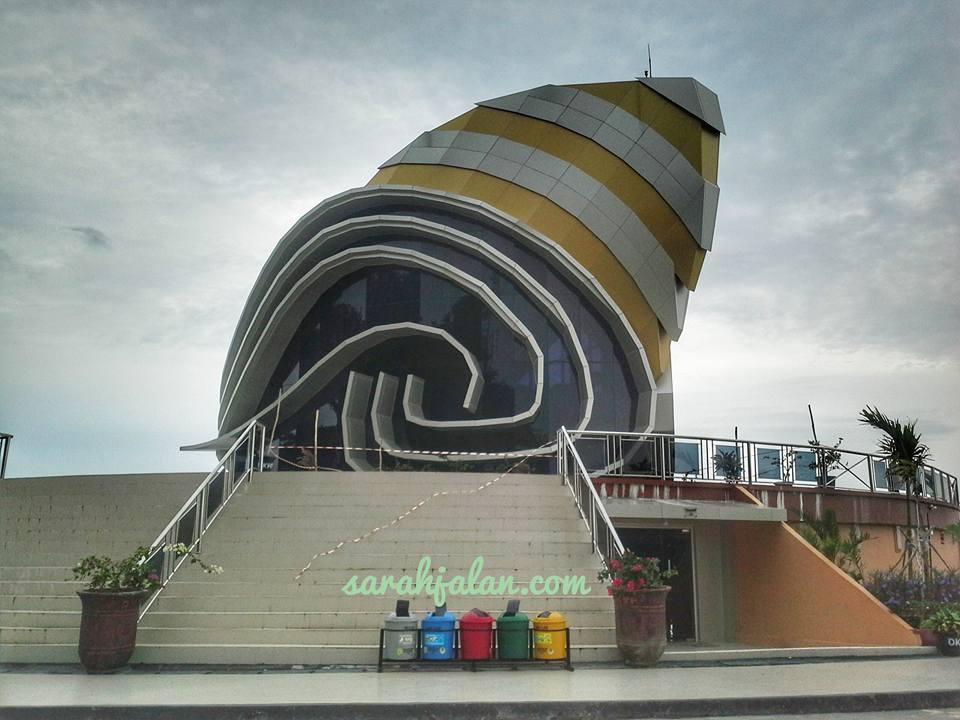 Blog Sarah Jalan Gedung Gonggong Laman Boenda Lengkap Tempat Sampah