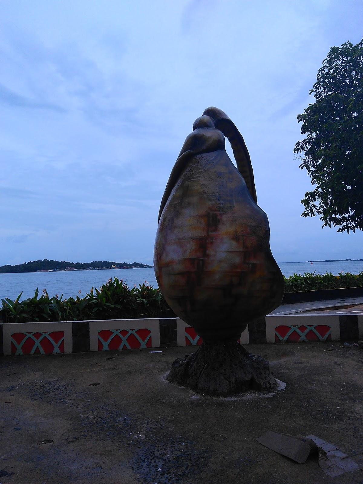 Blog Siunthel Gonggong Icon Kota Tanjungpinang Terletak Taman Tepi Laut