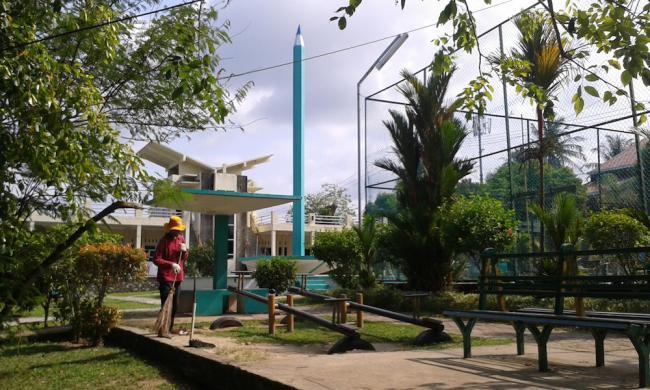 Cantiknya Tugu Pensil Alternatif Objek Wisata Akhir Pekan Kota Tanjungpinang
