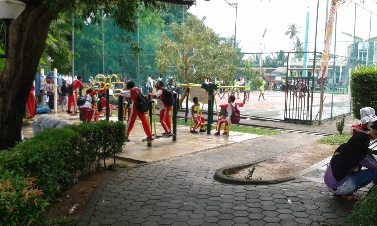 Mylife Taman Tugu Pensil Tanjungpinang Inilah Deretan Tempat Sampah Kagak