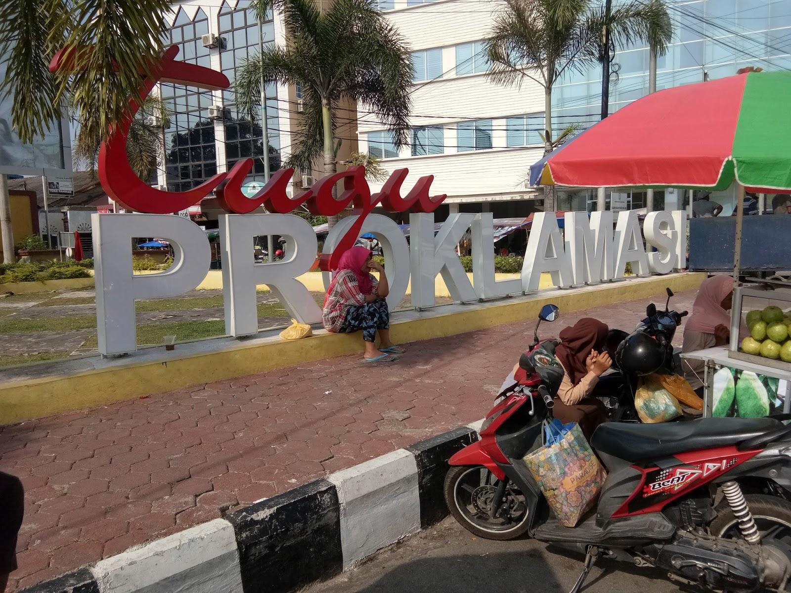 Hidup Inspirasi October 2017 Tulisan Tugu Proklamasinya Kok Sepi Foto