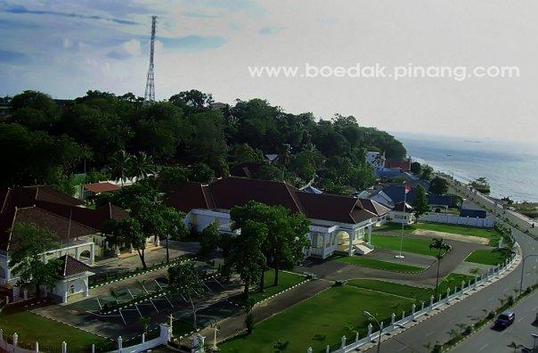 Tanjungpinang Provinsi Kepulauan Riau Skyscrapercity Komplek Rumah Dinas Gubernur Tugu