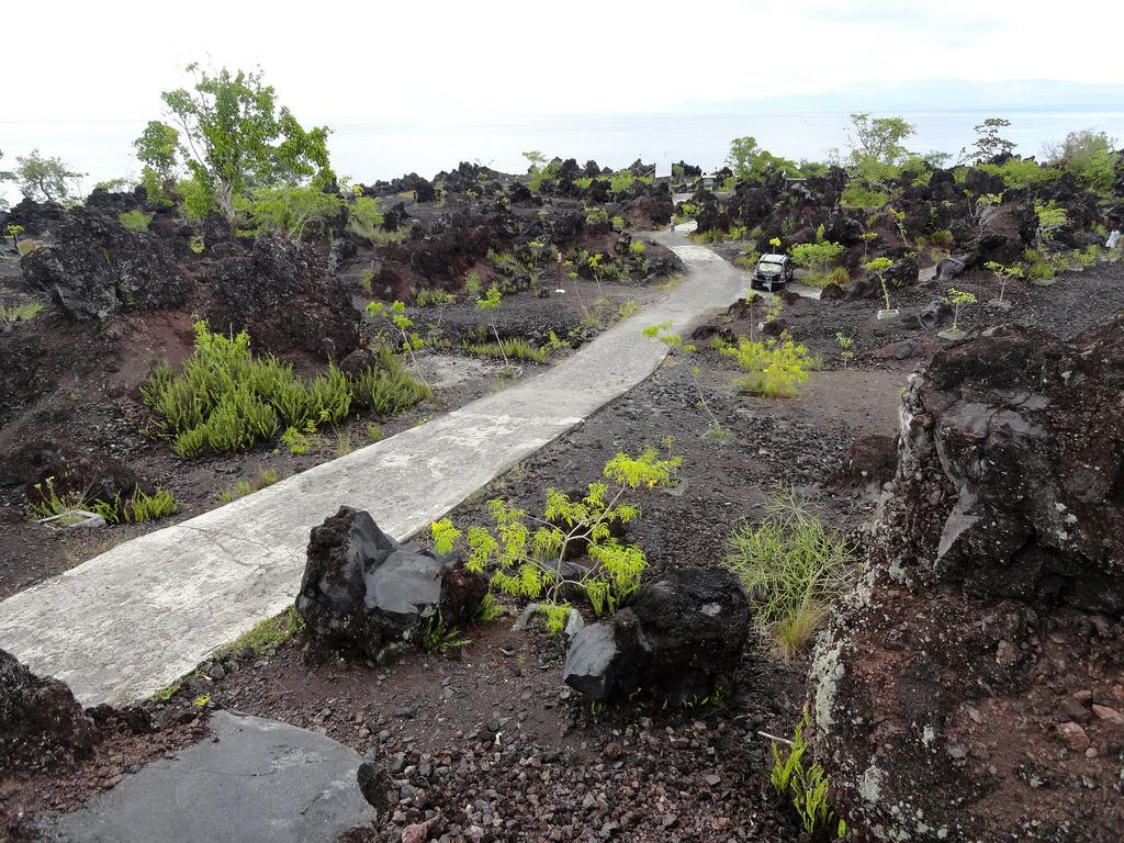 Batu Angus Ternate Island Moluccas Maluku Ang Flickr Travelourplanet Kota