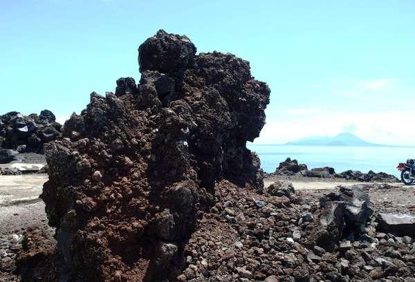 Unik Batu Angus Kaki Gunung Gamalama Salah Satu Bongkahan Berada