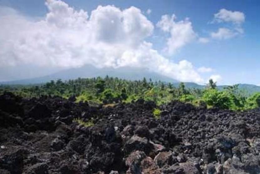 Wisata Batu Angus Andalan Kota Ternate Republika Online Pemandangan Kawasan