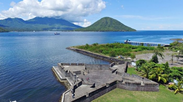 4 Wisata Sejarah Ternate Benteng Kalamata Hingga Oranje Kota