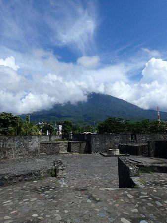 Benteng Kalamata Picture Fort Ternate Tripadvisor Gamalama Kota