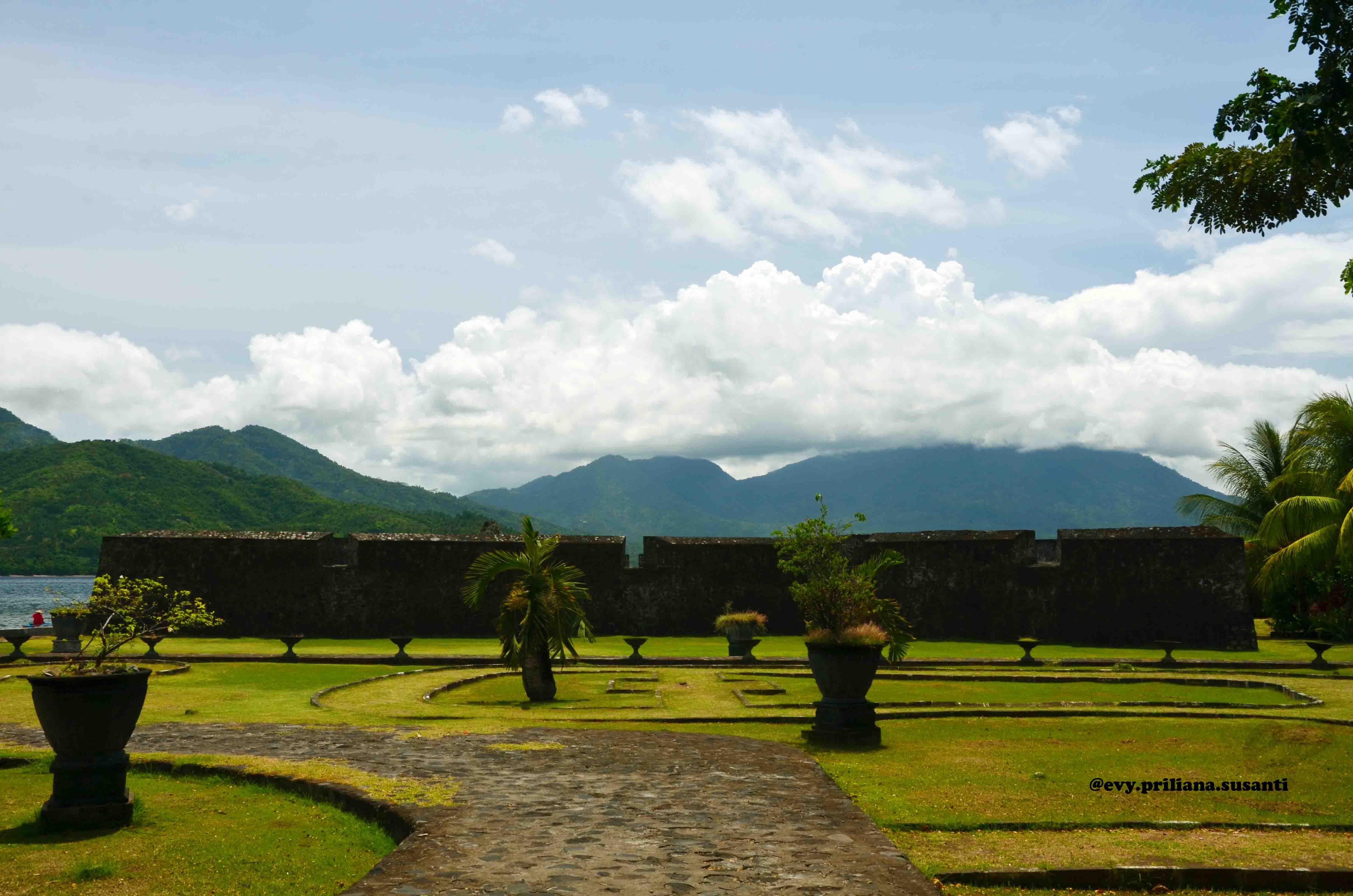 Benteng Santa Lucia Jendela Kecil Dunia Sejarah Ternate Penuh Perjuangan