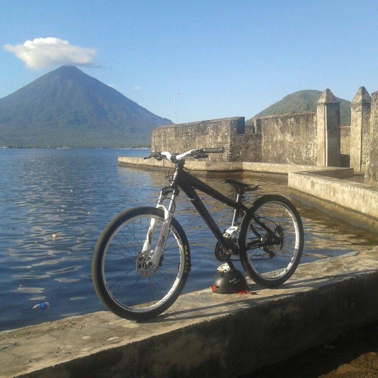 Khs Dj 300 Benteng Kalamata Kota Ternate Maluku Utara Indonesia