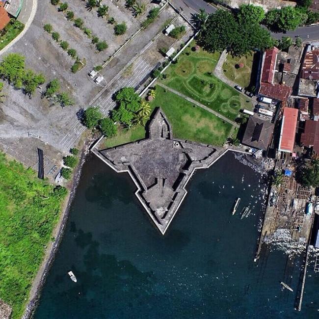 Ternate Terkecil Terkenal Maluku Utara Indah Benteng Kalamata 650x650 Kota