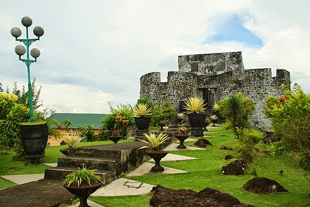 Ujung Aspal Benteng Kota Ternate Kalamata Santa Lucia