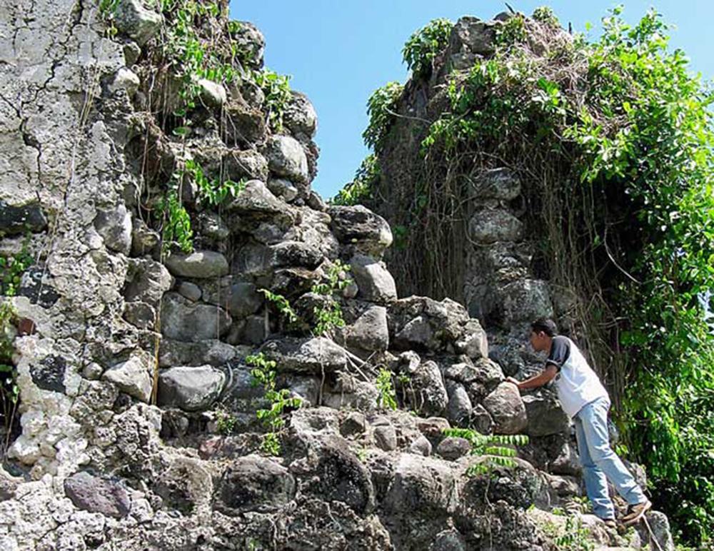 7 Tempat Ternate Wajib Dikunjungi Lentera Online Benteng Kastela Kota