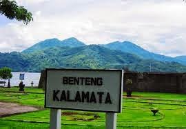 Bebas Berekspresi Benteng Peninggalan Penjajahan Ternate Kastela Kota