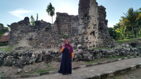 Benteng Berusia 400 Lebih Saksi Sejarah Kastela Beach Bangsa Indonesia