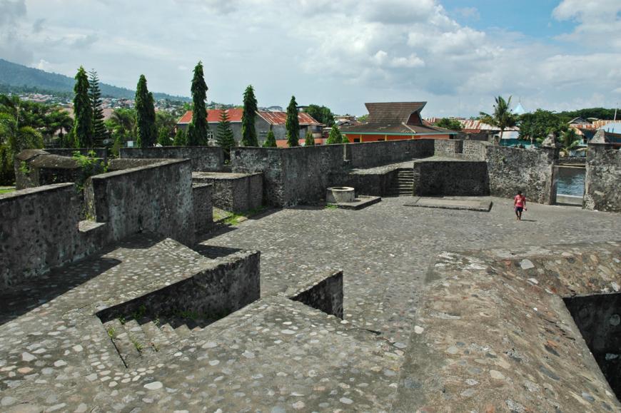Benteng Kalamata Kastela Kota Ternate