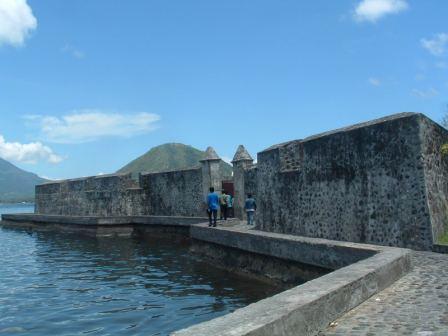 Benteng Kalamata Phoerwantho Tidak Situs Peninggalan Sejarah Kota Ternate Memendam