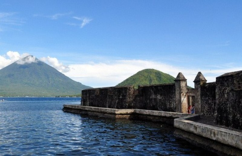 Destinasi Wisata Ternate Dibenahi Portal Berita Bisnis Benteng Kalamata Kastela