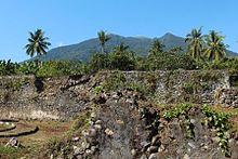 Fort Kastela Wikipedia Ruins Portuguese Built Kastella Ternate Gamalama Volcano