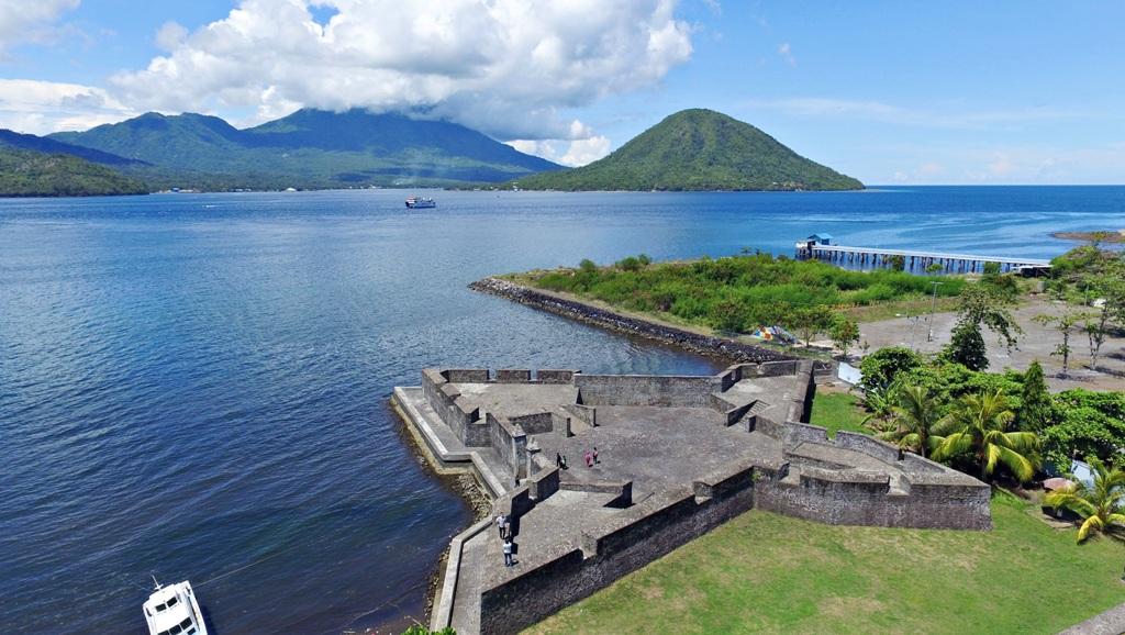 5 Benteng Wajib Dikunjungi Kota Onweekend Kalamata Janji Ternate
