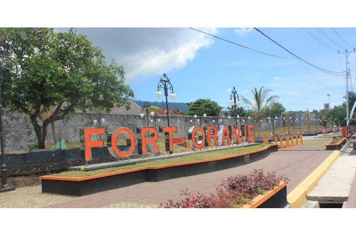 Benteng Oranje Terbengkalai Halaman Bobo Grid Id Kota Janji Ternate
