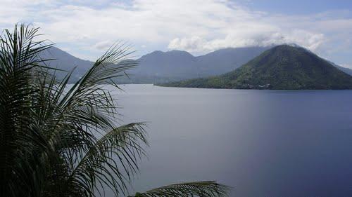 Guide Gambesi North Maluku Indonesia Tripmondo Pictures Maitara Island Benteng
