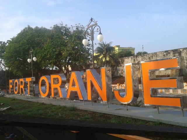 Arfive Gandhi Ekspedisi Ternate Benteng Oranje Warna Mencolok Agaknya Menjadi