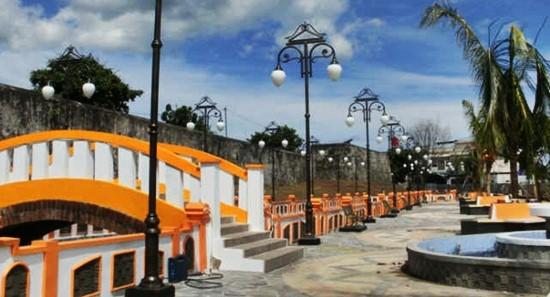 Benteng Oranje Jpg Eloratour Wordpress Kota Ternate