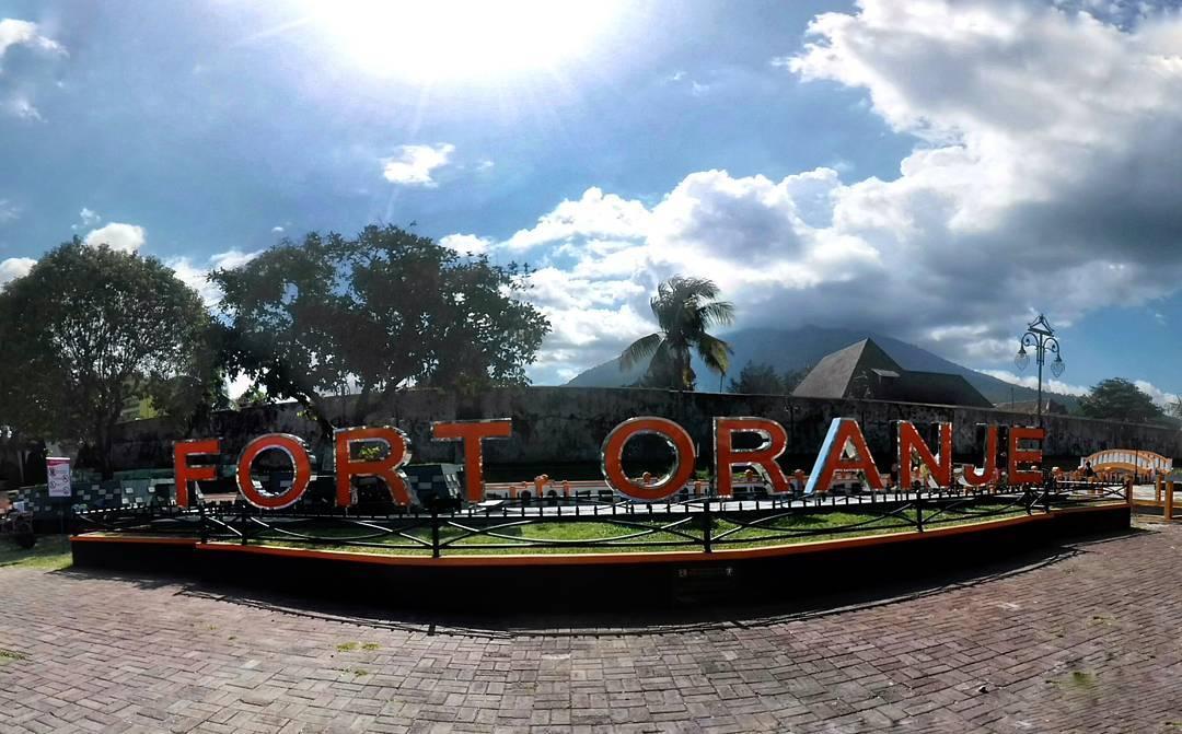 Sejarah Benteng Oranje Bangunan Peninggalan Belanda Maluku Utara Sportourism Kota