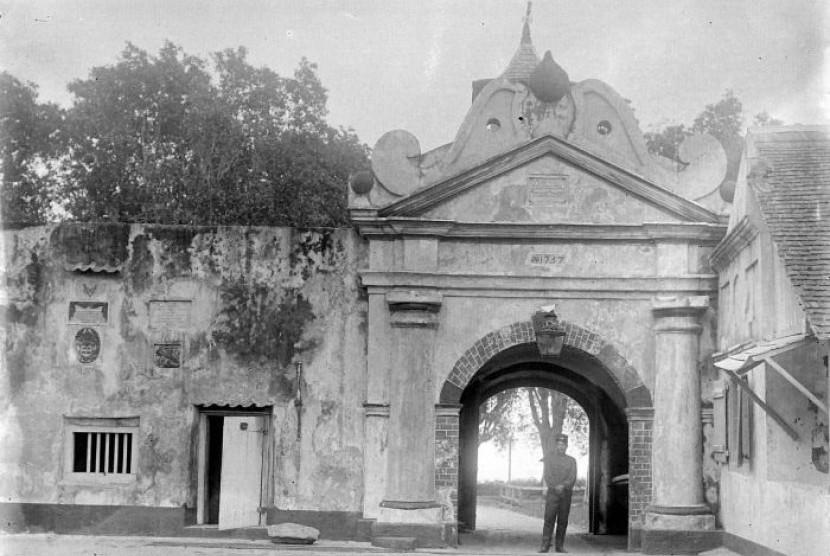Benteng Oranje Jadi Ikon Ternate Republika Online Fort Colonialism Era