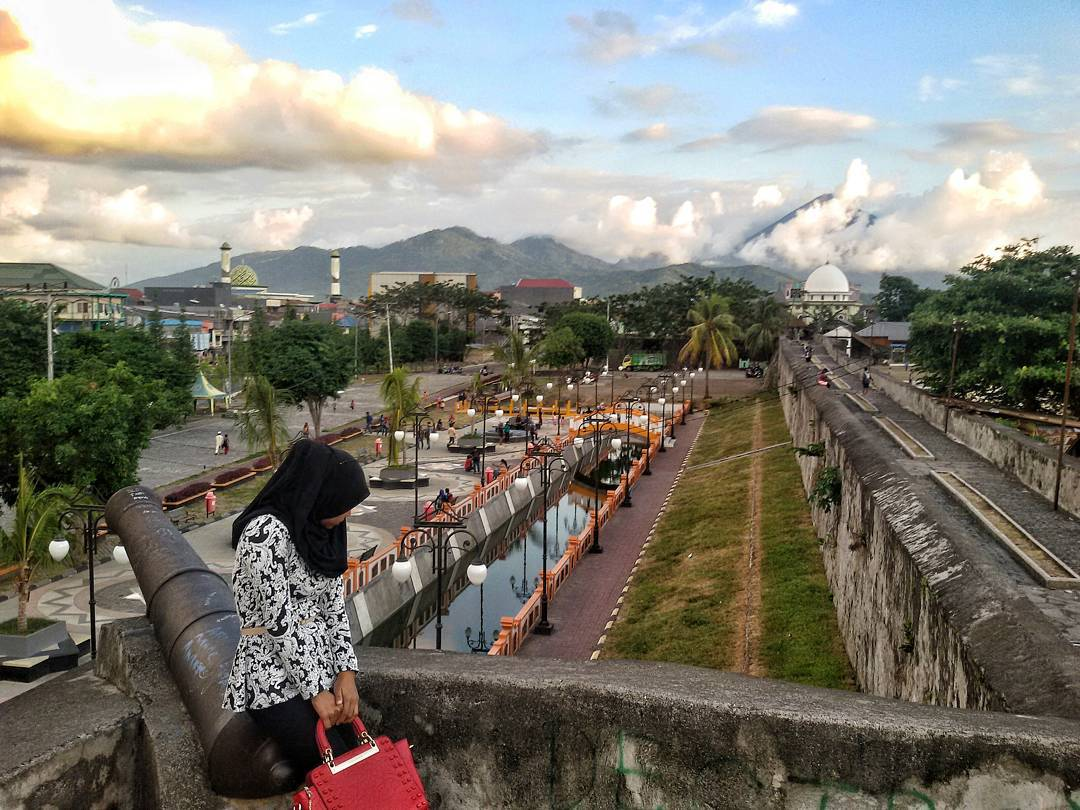 Benteng Oranye Indonesia View Kota Ternate Oranje Peninggalan Belanda Jadi