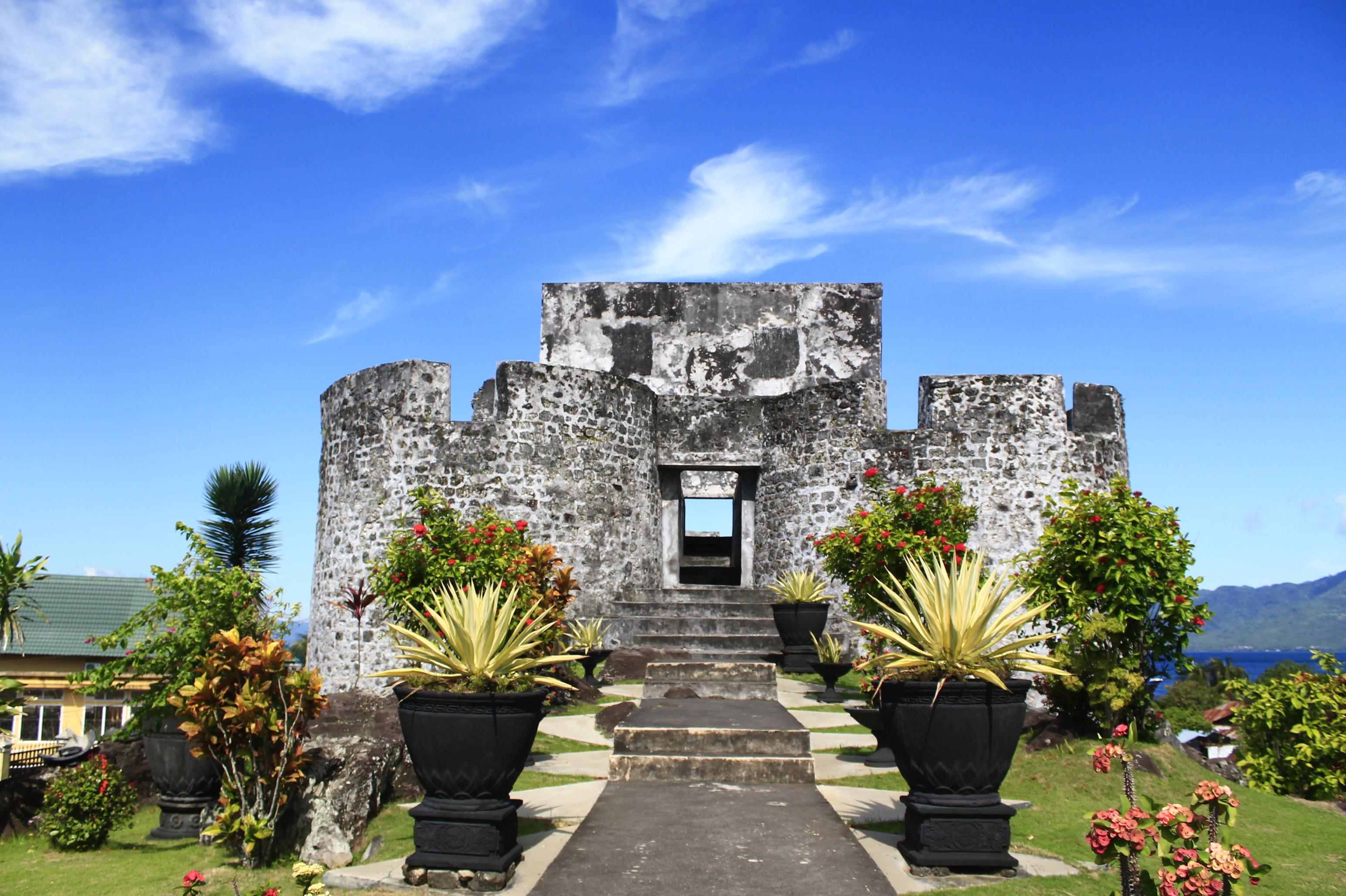 Benteng Tolukko Antara Keindahan Sejarah Sportourism Kota Ternate