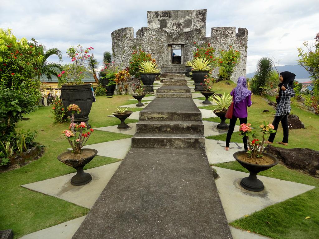 Benteng Tolukko Ternate Island Moluccas Maluku Flickr Travelourplanet Kota