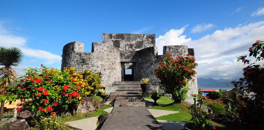 Kota 1 000 Benteng 4 Wisata Sejarah Ternate Indonesian Tolukko